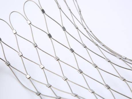 There is a sheet of wire rope with ferrules.